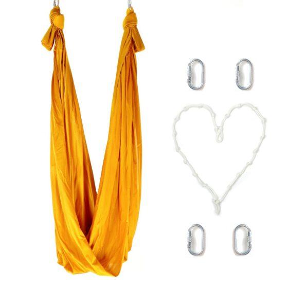 columpio de yoga dorado